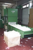 LAROCHE CUSHIONS AND PILLOW STUFFING . .  LAROCHE   Used - Second Hand Textile Machinery
