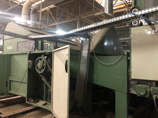 Air Lay napping machine LAROCHE  - Second Hand Textile Machinery 2000