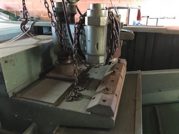 Rotary Cutting machine LAROCHE CR 500 - Second Hand Textile Machinery 1973