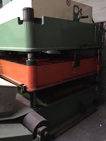 Cutting press  - Second Hand Textile Machinery