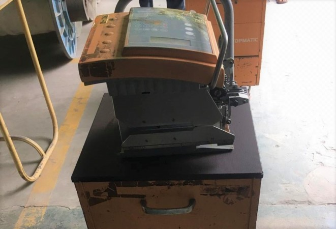 STAUBLI TOPMATIC TPM 201 knotting machine and frames  - Second Hand Textile Machinery 2002