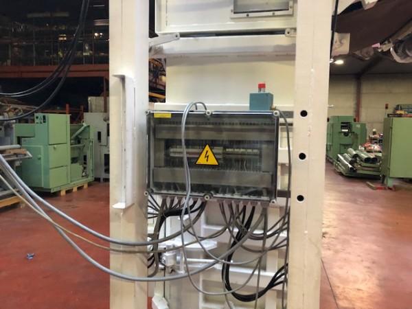Bales press for flock AUTEFA . - Second Hand Textile Machinery
