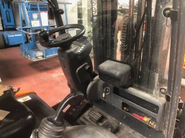 Electrical Hoist STEINBOCK - Second Hand Textile Machinery 2000