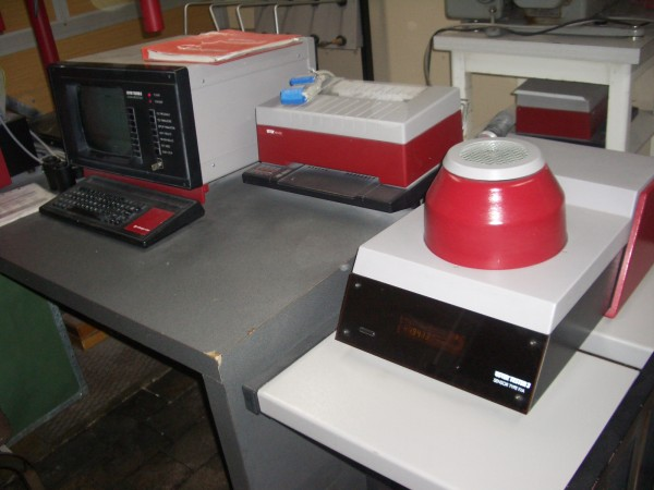 USTER tester UT3 - Second Hand Textile Machinery 1992
